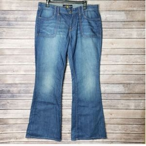 14 / 32 Lucky Brand Charlie Mid Rise Flare Jeans